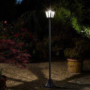 Lampioni solari per illuminazione esterna